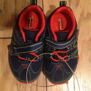 Other - Surprize by Stride Rite Boy's Sjoes size 5